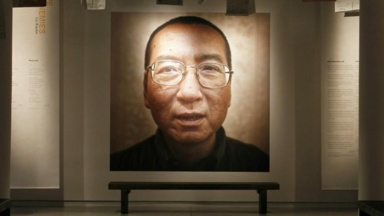 Liu Xiaobo, Chinese dissident who won the Nobel Peace Prize while in prison, dies at age 61