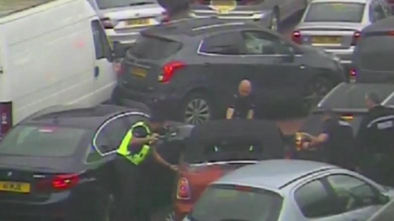 Thief arrested after getting stuck in traffic