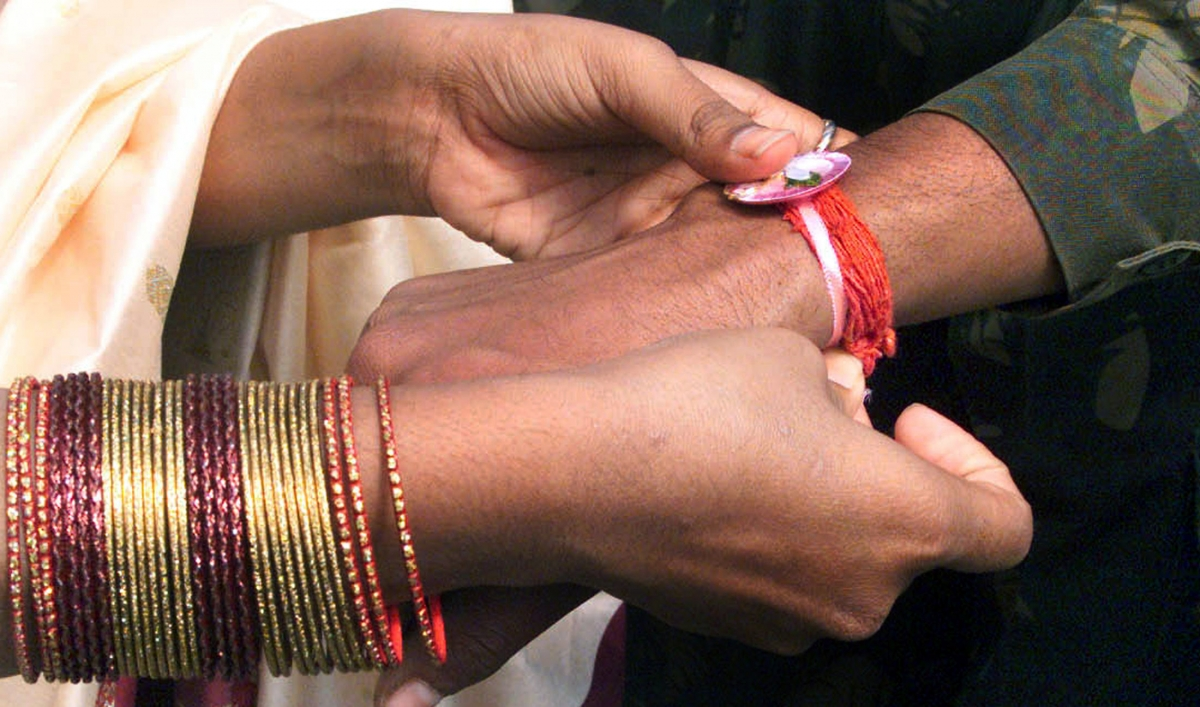 Raksha Bandhan 2019: Quotes, messages, wishes for your