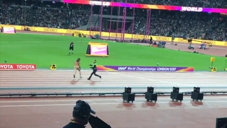 Streaker entertains crowd ahead of IAAF 100-metre-showdown
