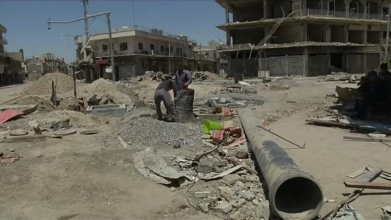 West Mosul residents begin rebuilding their city