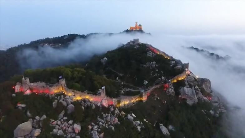Historic castle in Portugal lit up in Catalan colors to honor Barcelona victims