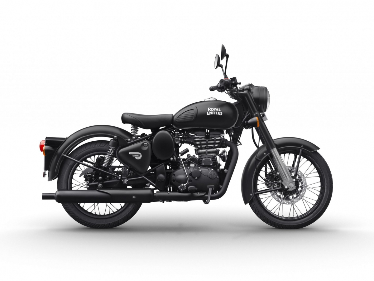 royal enfield classic 350 in gunmetal grey classic 500 in stealth black colours launched. Black Bedroom Furniture Sets. Home Design Ideas