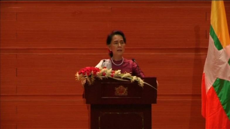 Aung San Suu Kyi breaks silence on Rohingya crisis