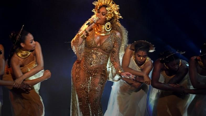 Beyonce has been cast in The Lion King and Twitters gone gif crazy