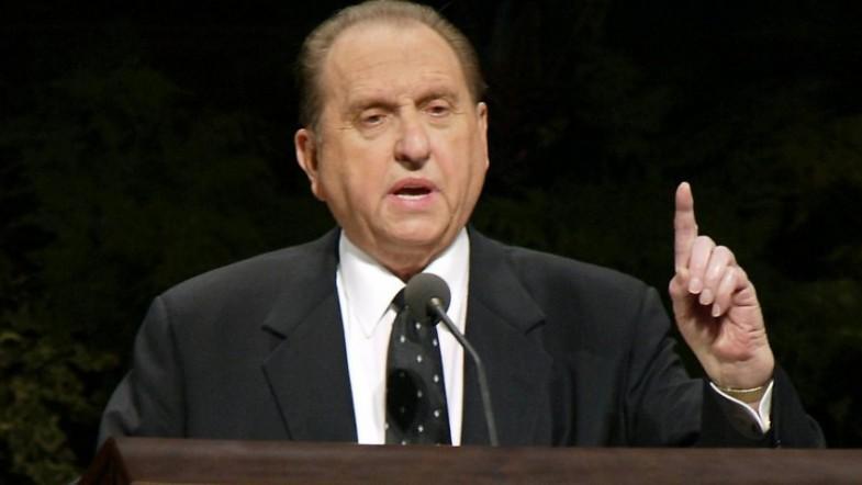 Mormon President Thomas S Monson dies aged 90