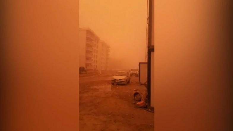 Mars or Turkey? Intense dust storm transforms parts of country into red planet