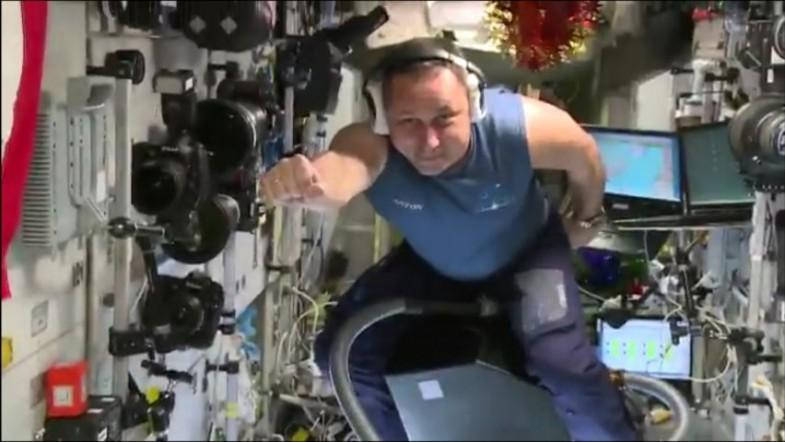 Astronaut tests ability to fly in space on vacuum cleaner