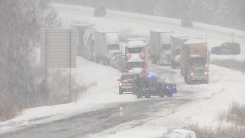 Deadly winter storm kills two in the Midwest
