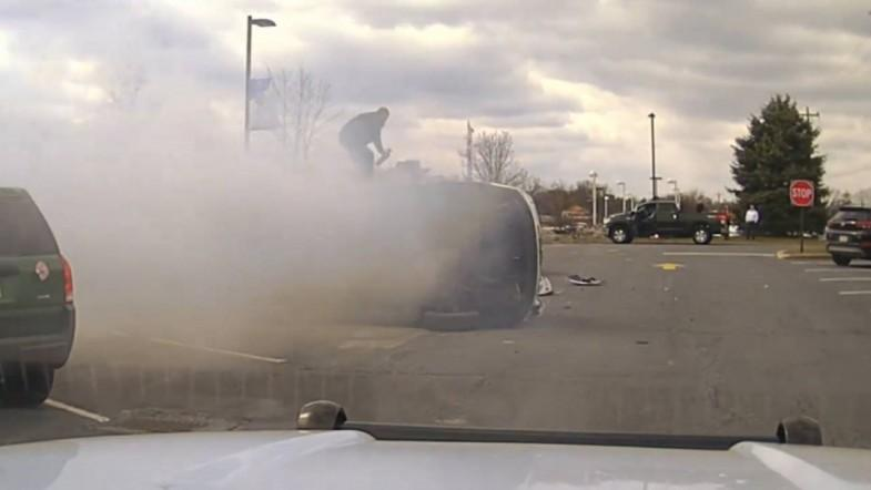 Good samaritans pull man from burning car crash