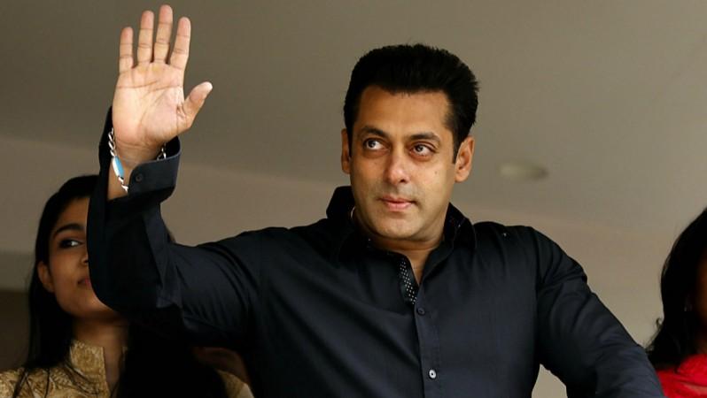 Salman Khan S Vintage Look In Bharat Movie Leaked Photo