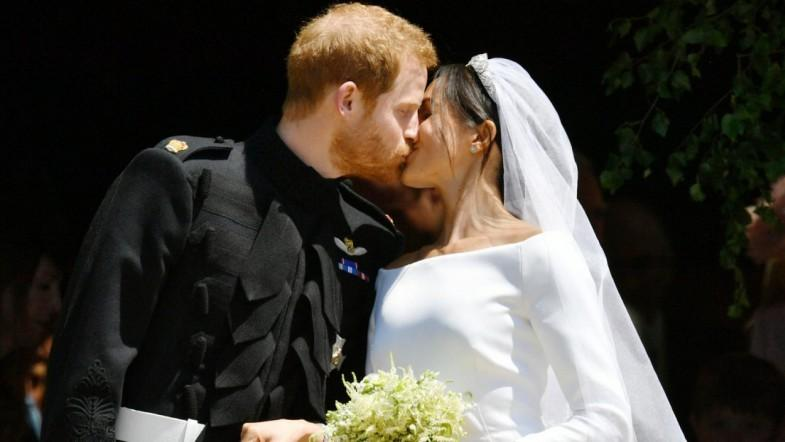 Watch Prince Harry And Meghans First Kiss As Husband And Wife At Royal Wedding