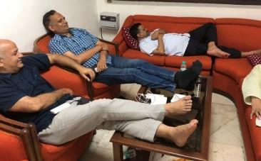 AAP ministers protesting in Delhi