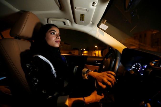 Suudi Arabistan kadınlar sürüş