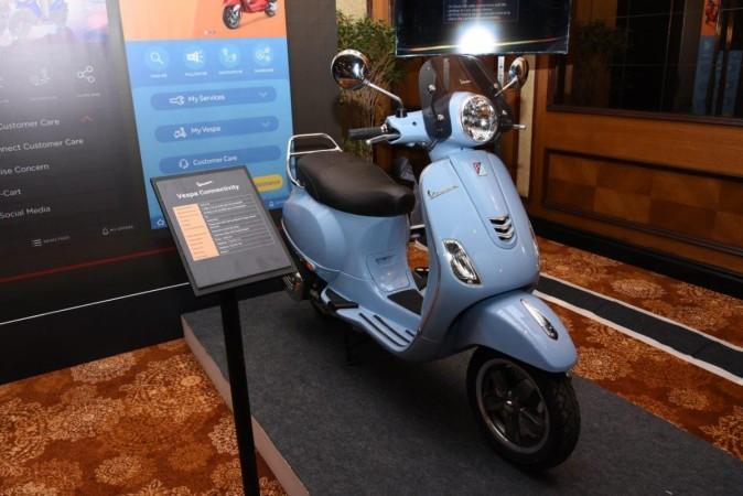 Vesps scooters in Azzuro Provenza