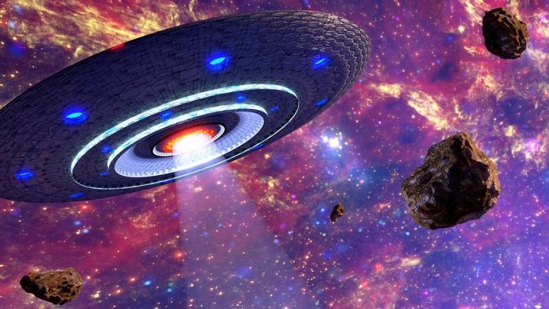 Interstellar aliens