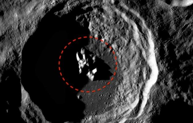 spaceship in moon