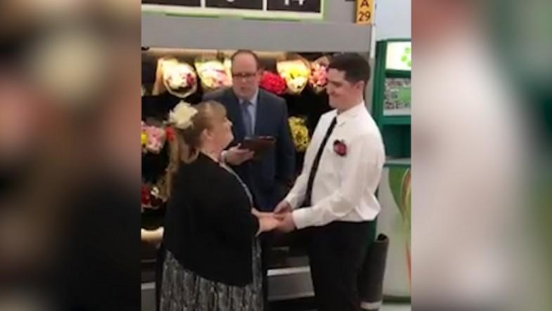 Walmart Use In Store Wedding To Advertise Job Opening