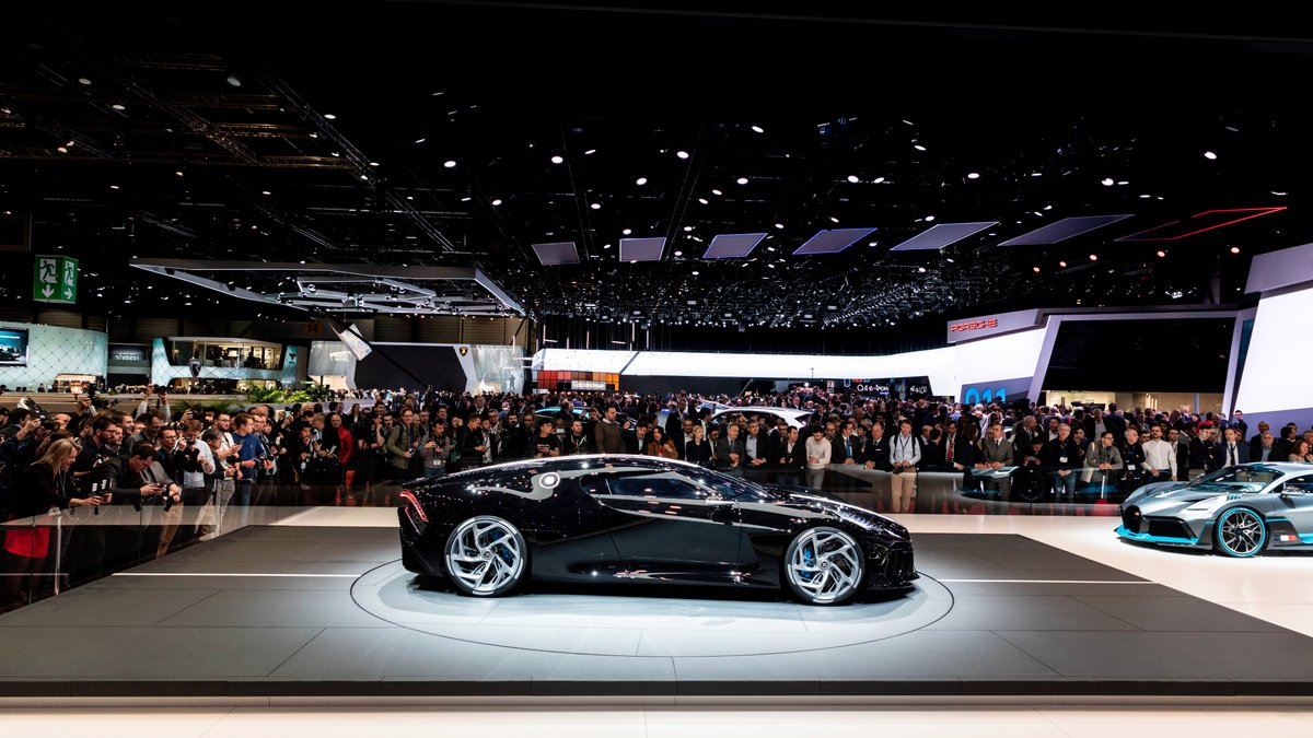 Bugatti La Voiture Noire Owner Must Wait For 2 5 Years