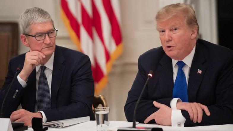Watch: Trump Calls Apple CEO Tim Cook Tim Apple