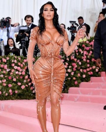 kim kardashian sacrificed sitting breathing and peeing