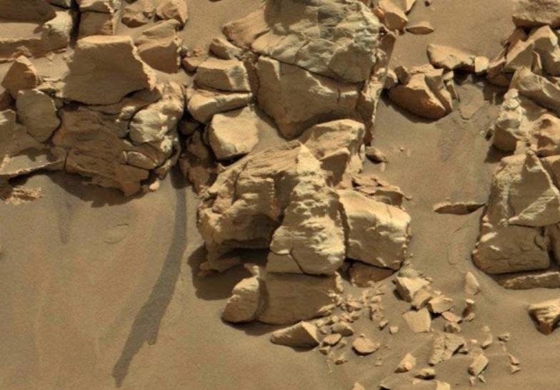 Evidence of life on Mars: Ohio University expert shows photos
