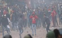 在示威者的暴乱中,在伊拉克的暴力活动中有一群暴徒