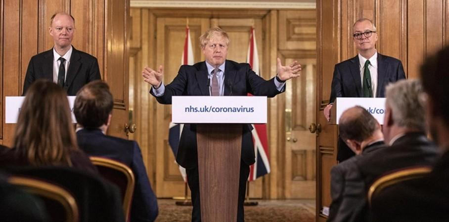 boris johnson with Chief Medical Officer Professor Chris Whitty and Chief Scientific Adviser Patrick Vallance