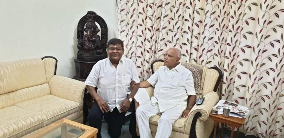 Bullet Prakash with Karnataka Chief Minister Yediyurappa