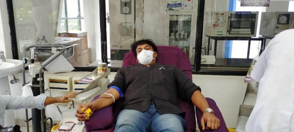 Chiranjeevi donates his blood to fight against coronavirus