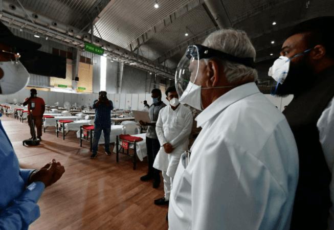 Karnataka CM Yediyurappa BIEC'i ziyaret etti