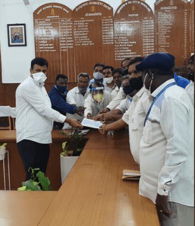 BBMP belediye başkanı Goutham Kumar, Shilpa'nın ailesini kontrol etti