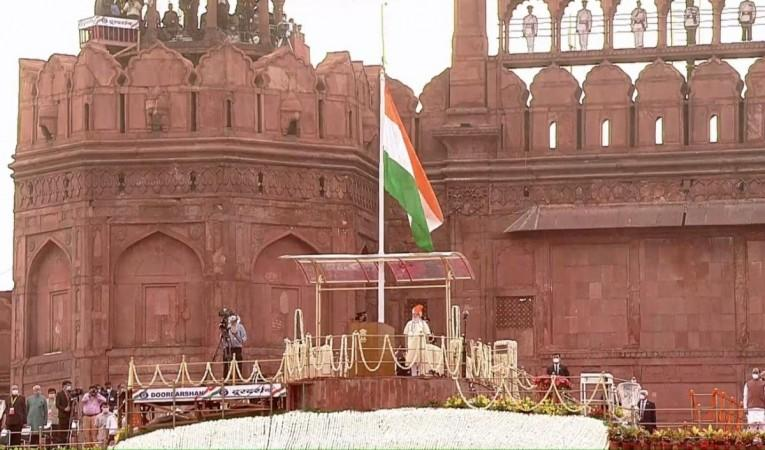 PM Modi unfurls flag