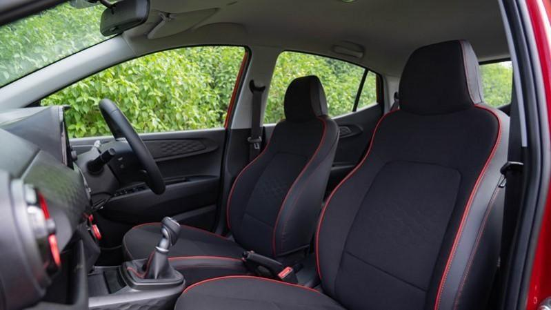 2020 Hyundai Grand i10 NIOS Turbo front seats