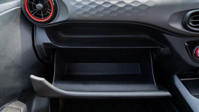 2020 Hyundai Grand i10 NIOS Turbo glovebox