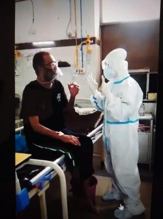 Nurse communicating in sign language
