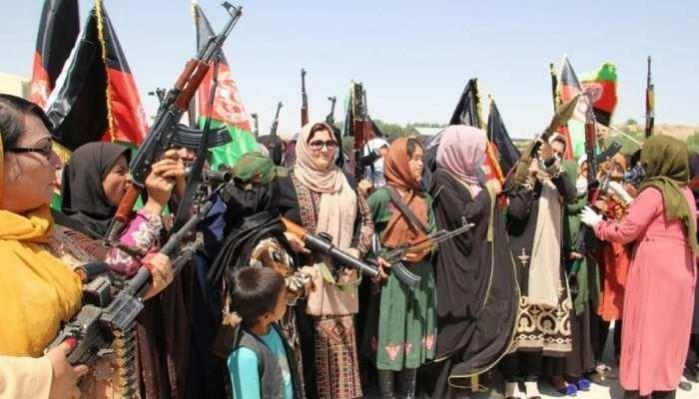 Afghan women with arms hit the streets to fight the Taliban - IBTimes India
