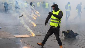 Gilet Jaunes,French uproar,paris,yellow vests movement,yellow vest riots,yellow vests paris,Riot Police,French Police