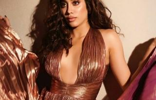 jhanvi-kapoor-wears-stunning-metallic-pleated-gown