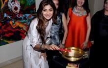 "Photos of Bollywood actress Shilpa Shetty inaugurates Anu Malhotra's show ""Flow Dreams"" at gallery art&soul."