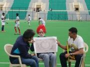 Akshay Kumar meets Balbir Singh, the living legend from the 1948 Gold Olympics!