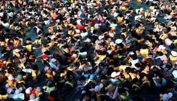 Enochlophobia,fear of crowds,mental health,phobia,most crowded places,crowded places in the world,overcrowded buses,cinema hall crowd